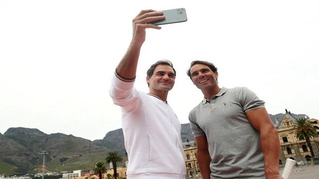 Federer tặng Nadal bảo kiếm của mình nhân ngày Lễ tình nhân