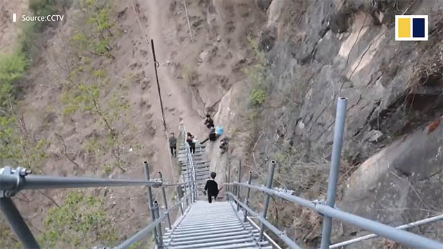 Bạn có dám leo lên ngôi làng cheo leo bên vách núi ?