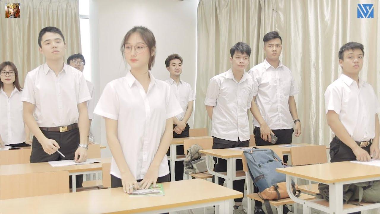 Họp lớp bị cô giáo và bạn bè coi thường và cái kết