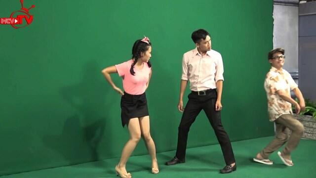 Chết cười clip sao Việt 'lên đồng' với VŨ ĐIỆU CON KẸC | NHẬT KÝ VỢ CHỒNG SON